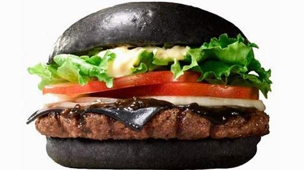 No Japão o Burger King tem um Cheese Burger Preto