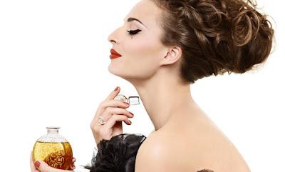 Sembilan Jenis Parfum Favorit Perempuan