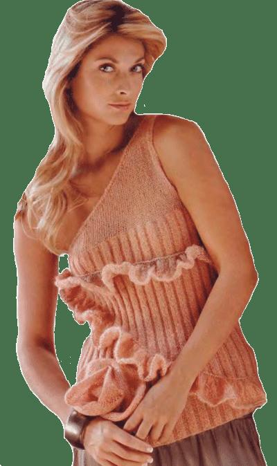 топ персикового цвета, украшенный оборками и вязаной розой