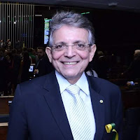 Pauderney Avelino