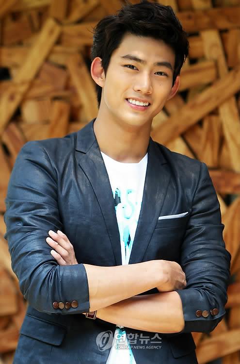 Ok Taec Yeon (Jin Gook/Hyun Shi Hyuk)
