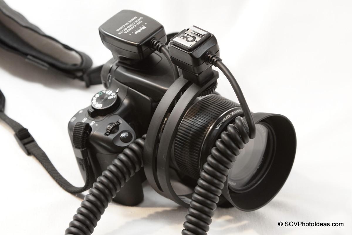 Boling C-Shape Flash Bracket on EOS 400D w/ off camera flash cord