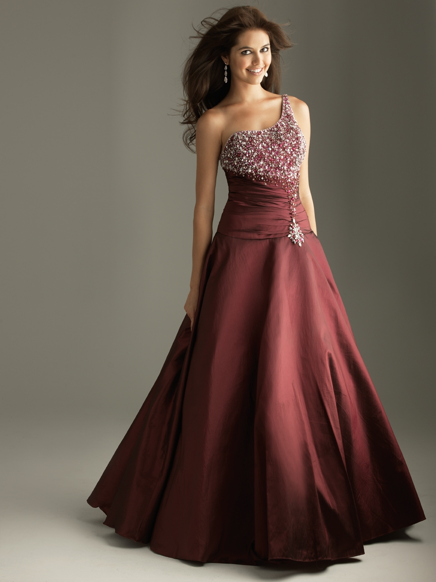 Prom Dresses For 2011
