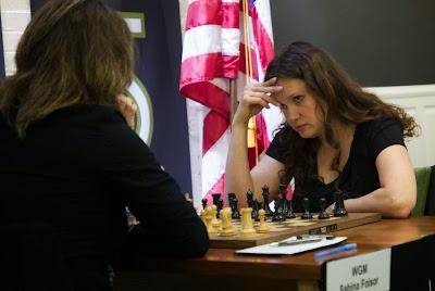 Ronde 3 : Sabina-Francesca Foisor (2238) 0-1 Anna Zatonskih (2469)