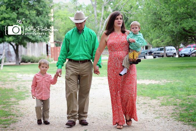 Gruene, Family Portraits, Kelly Portmann Photography, Cowboys,