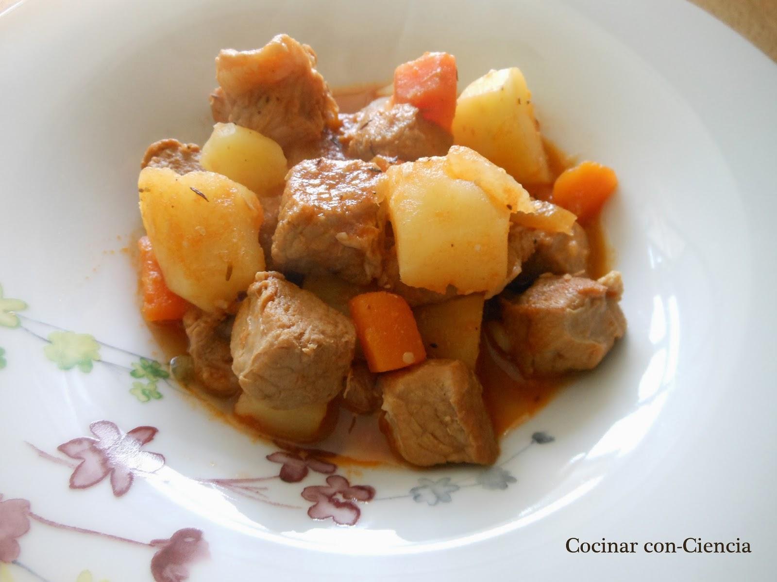 Guiso de cerdo a la mostaza con patatas y zanahorias for Cocinar zanahorias