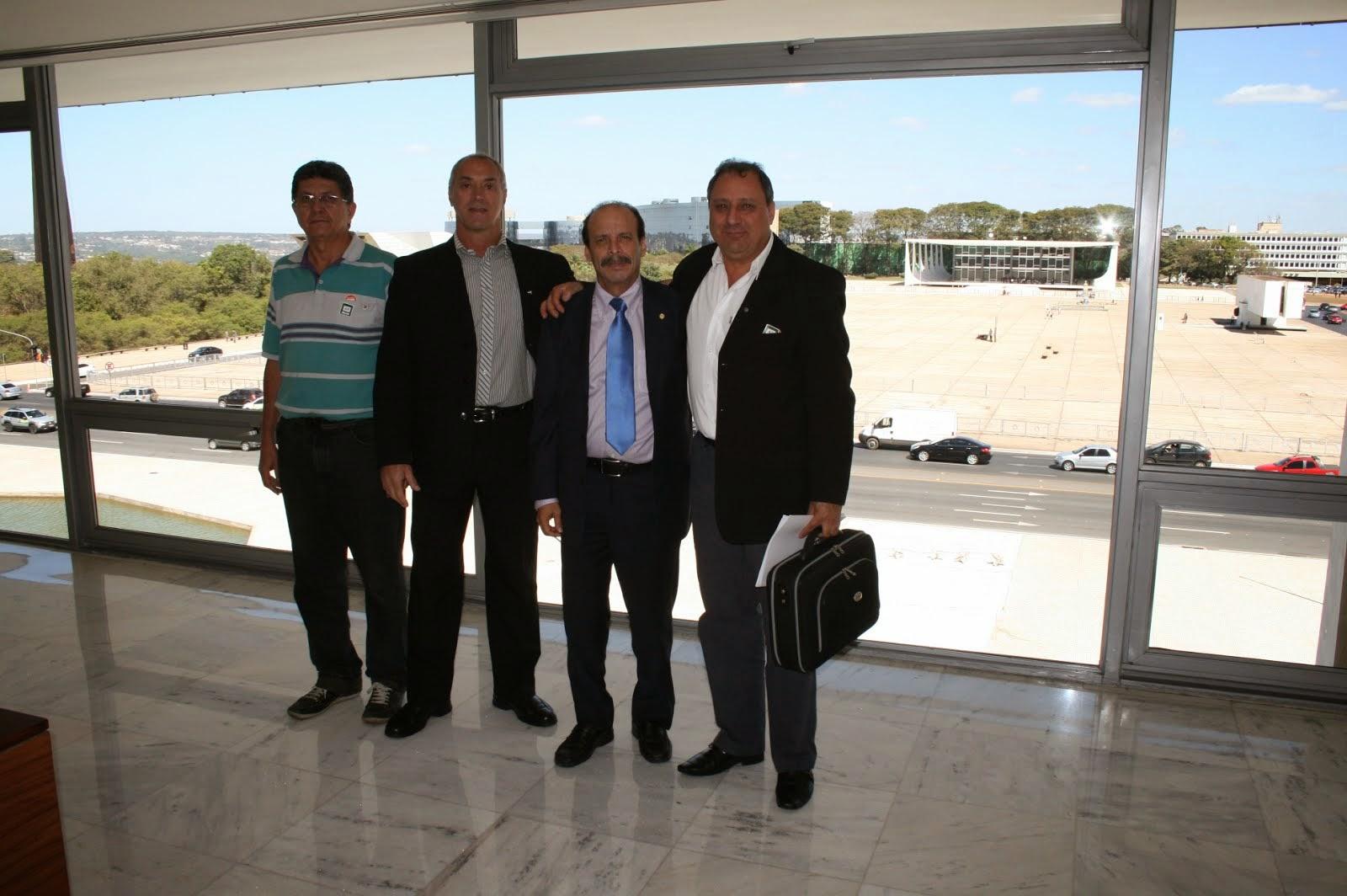 QPS E LIDERANÇA DE MINAS/BARBACENA AGUARDANDO AUDIENCIA COM MINISTRO  RICARDO BERZOINI