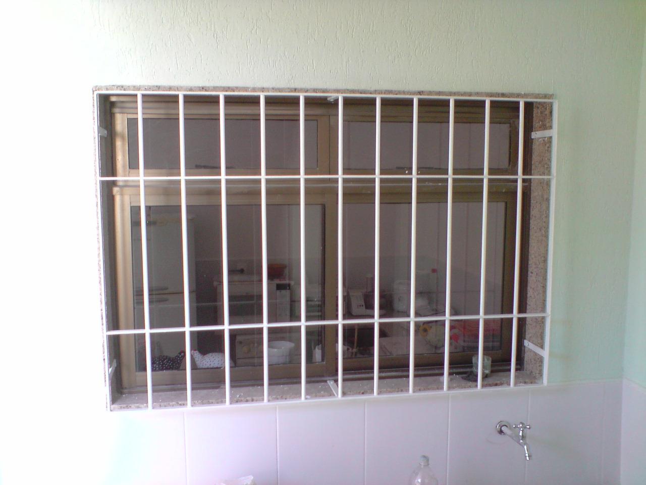 #785F53 ESTRUTURAS METÁLICAS E REFORMAS GERAIS: GRADES P/ JANELAS 4136 Grade De Ferro Para Janela De Aluminio