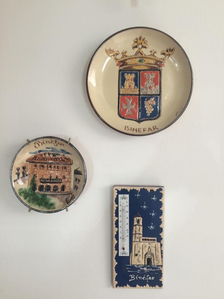 Colección de objetos decorativos binefarenses