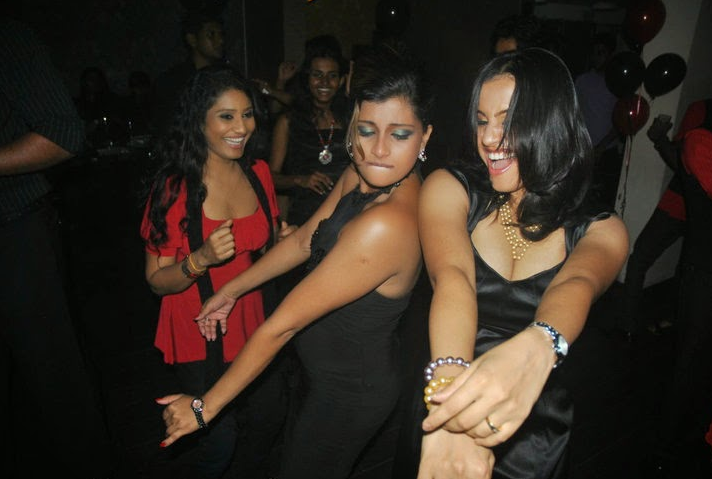 sri lankan lesbians and sri lankan gay - hot nedeesha hemamali