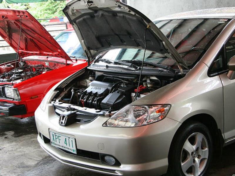 Mengganti Filter Udara Buka Kap Mobil Calya