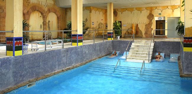 Hoteles para ni os almu car granada playac lida spa for Gimnasio con piscina granada