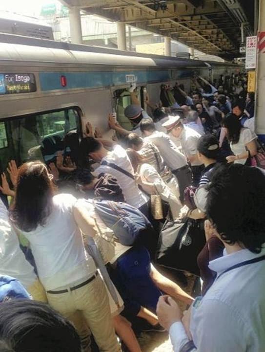 لأول مرة يتأخر قطار في اليابان لمدة خمس دقائق .. ولن تصدق السبب ..