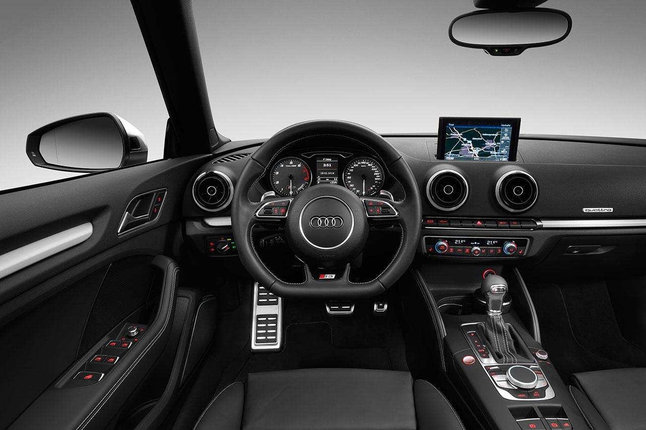 Audi S3 Cabriolet dash