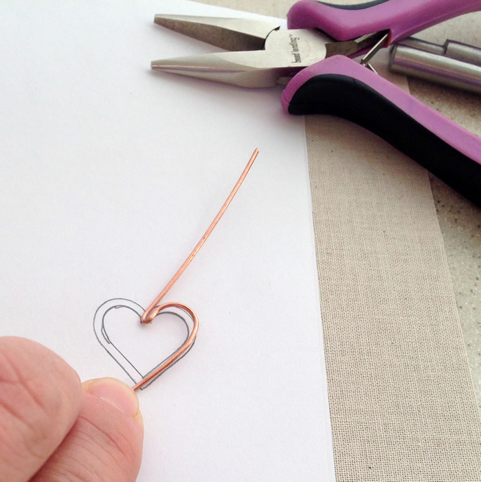 Lisa Yang\'s Jewelry Blog: How to Make Wire Heart Jewelry