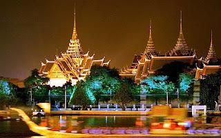Grand-Palace-In-Bangkok-Thailand-Wallpapers