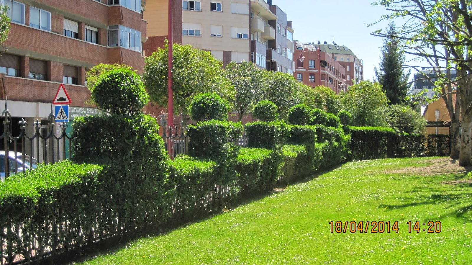 El rincon de un jardin parque de los reyes de espa a le n - Esquelas leon los jardines ...