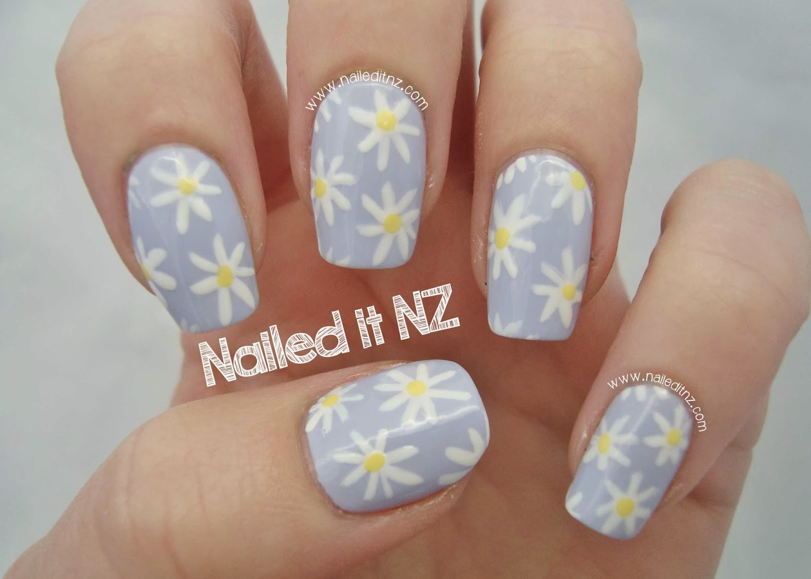 Daisy Nails | Trip Down Nail Art Lane Day 4