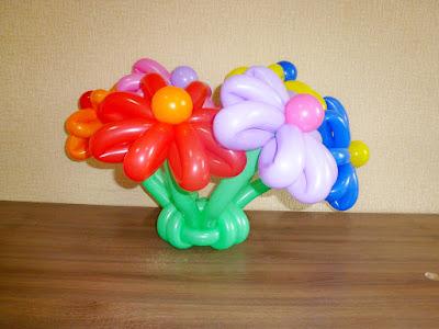 цветы ромашки из воздушных шаров