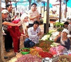 Hasil Pertanian Lokal di Lampung Selatan: Ikang Fawzi & Marissa Haque (2010)