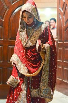 Contoh Sari India Muslim Cantik dan Elegan Merah