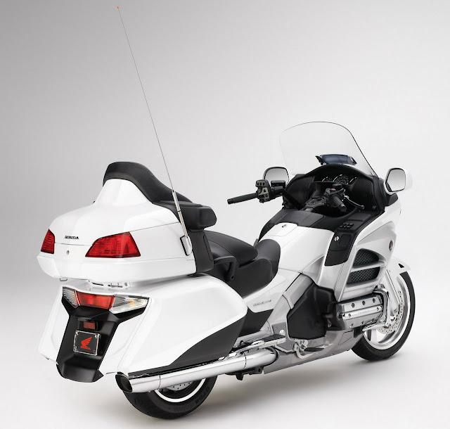 2012-Honda-Gold-Wing-GL1800-Pearl-White