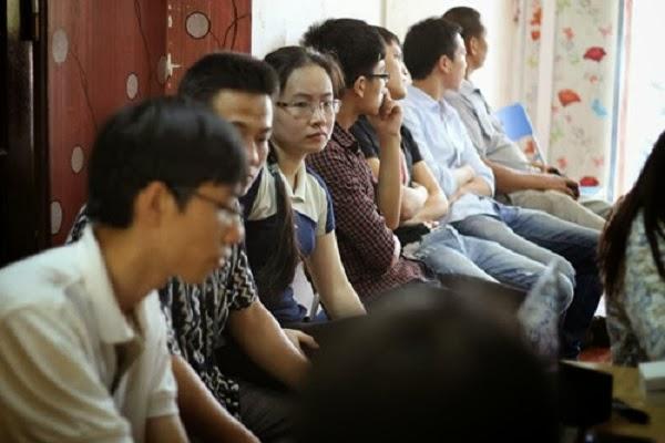 Người dân hàn quốc đổ xô đi mua điện thoại Hàn Quốc ở Việt Nam