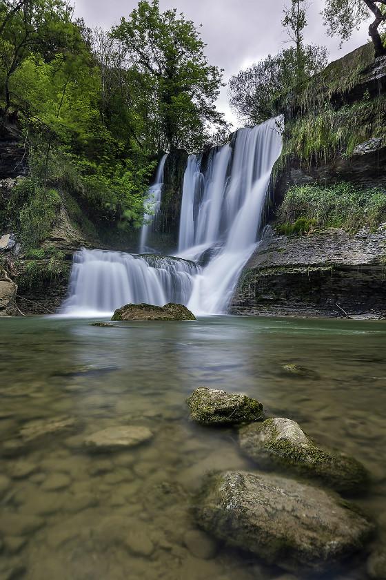 imagen_merindades_burgos_paraiso_ideas_norte_travel_visit_spain_agua_rio_cascada_peñaladros