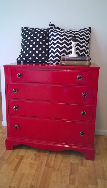 red dresser, painted dresser, how to paint furniture using glossy paint, how to get a glossy finish, diy, how to paint furniture, #fridaysfurniturefix