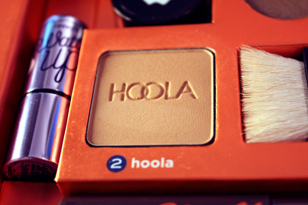 benefit the bronze of champions hoola bronzer