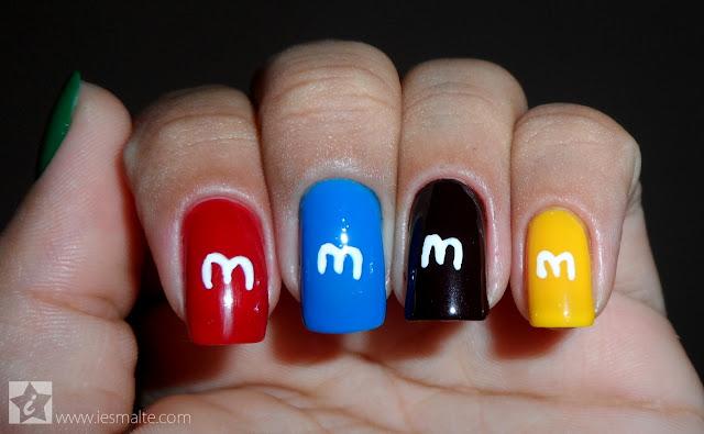 Unha Decorada - M&M's