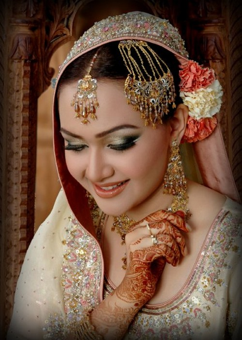 south indian bridal makeup. Bridal Makeup 2011