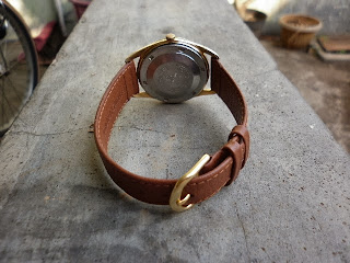 -Salah satu jam vintage yang collectible dengan diameter 36mm. -case jamnya  berlapis emas setebal 20 micron kondisi lumayan mulus 9614a3b006