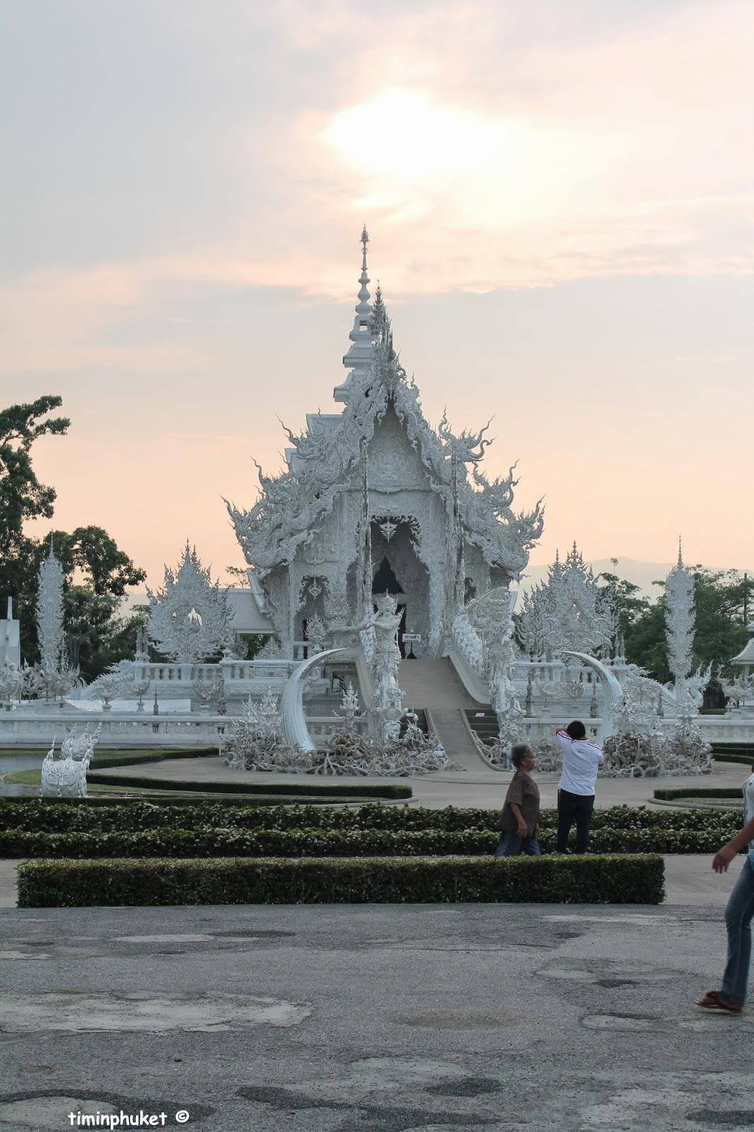 tim in phuket: Wat Rong Khun (วัดร่องขุ่น) - Chiang Rai