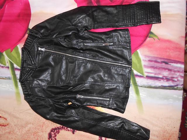 www.shein.com/Black-Long-Sleeve-Oblique-Zipper-Crop-Jacket-p-181494-cat-1776.html?aff_id=1238