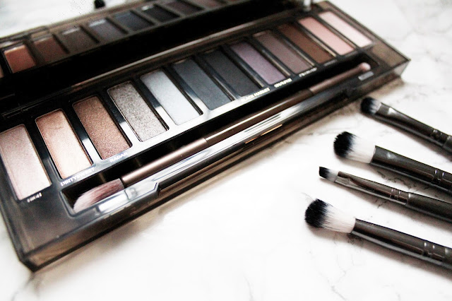 Urban Decay Naked Smokey Palette review