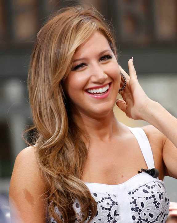 Ashley Tisdale biodata