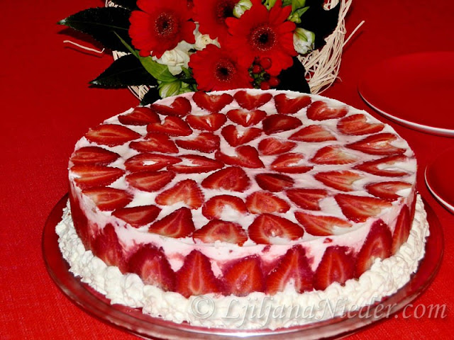 Mramorna torta od jagoda