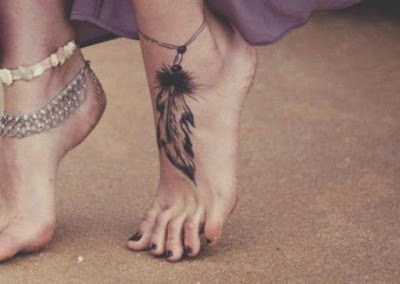 Mẫu hình xăm nhỏ đẹp ở chân cho nữ 13