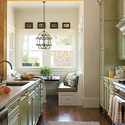 Coastal Style Galley Kitchen - Kitchen Layout and Decorating Ideas