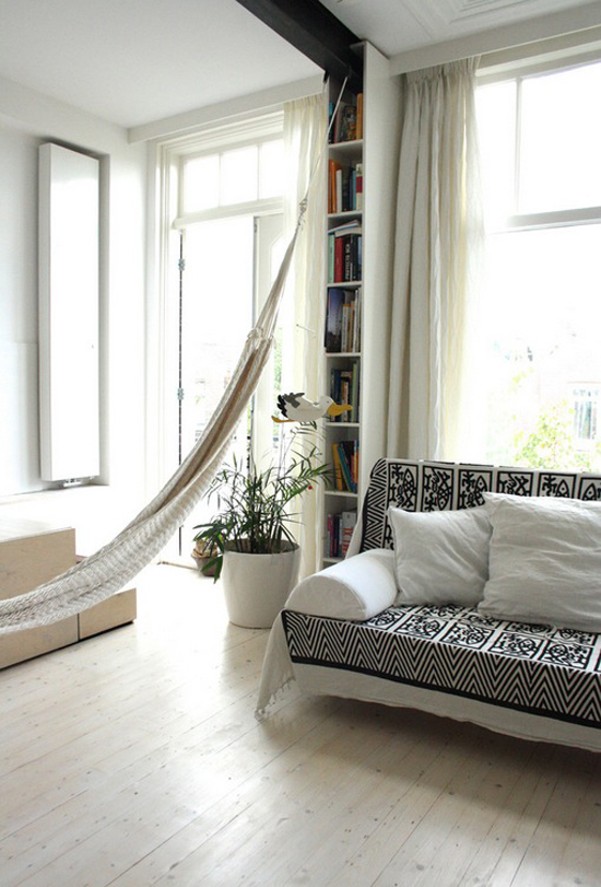 The home of Fabiana and Rocco by Holly Marder via Houzz #hammock