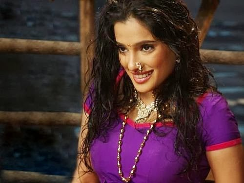 priya bapat images10
