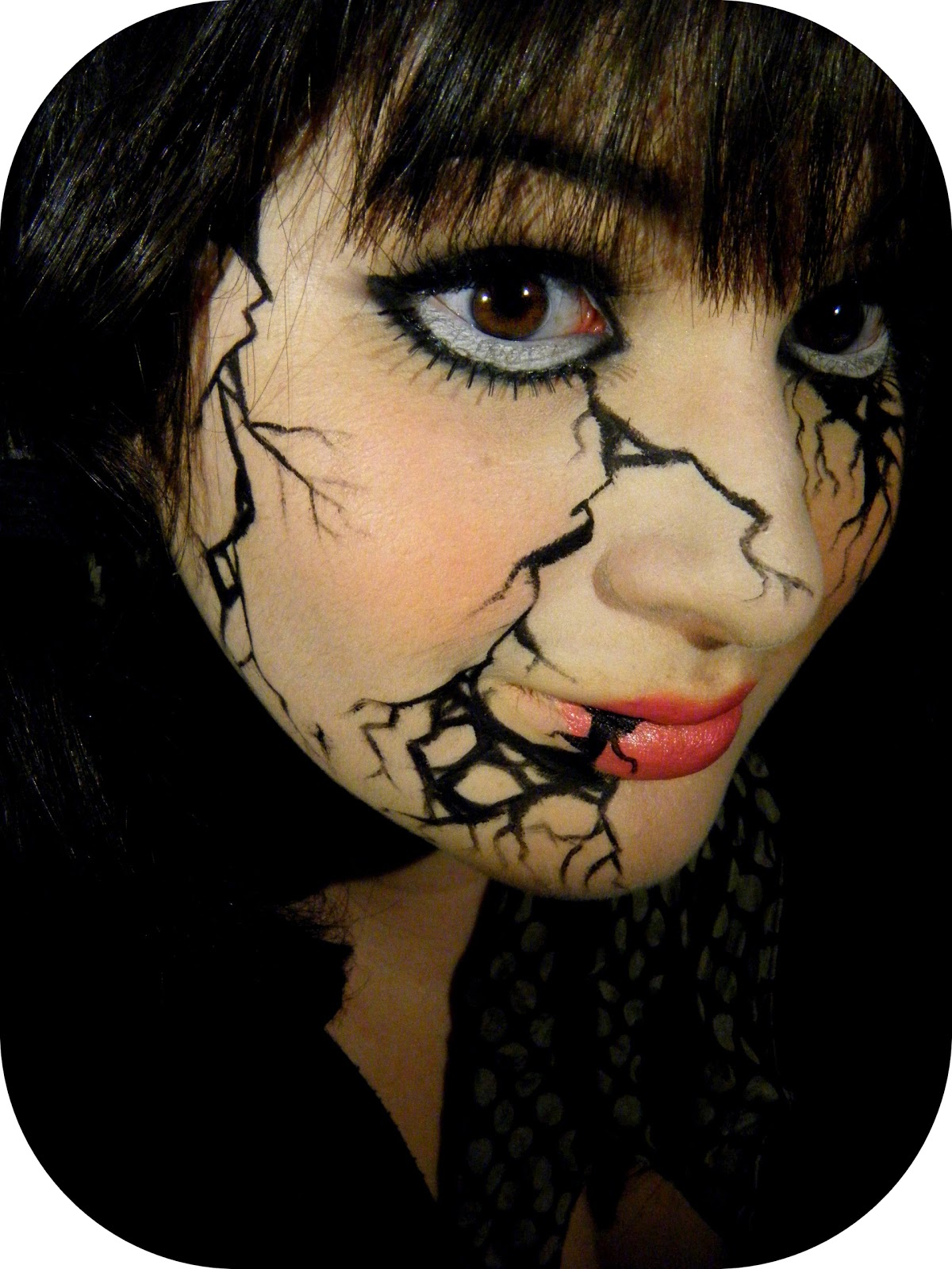 Mon petit coin beaut maquillage halloween 2 broken doll - Maquillage poupe demoniaque ...