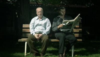 Πατέρας και Γιος. Τί είναι Αυτό; Σπουργίτι. Βίντεο με αγγλικούς υπότιτλους.