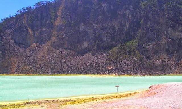 Pesona Kawah Putih Ciwidey Bandung Jawa Barat