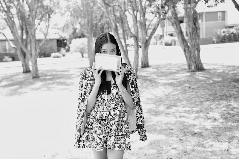 Floral Print, MNOlogie, Perspex Clutch, playsuit, Shilla, Lioness, Floral blazer