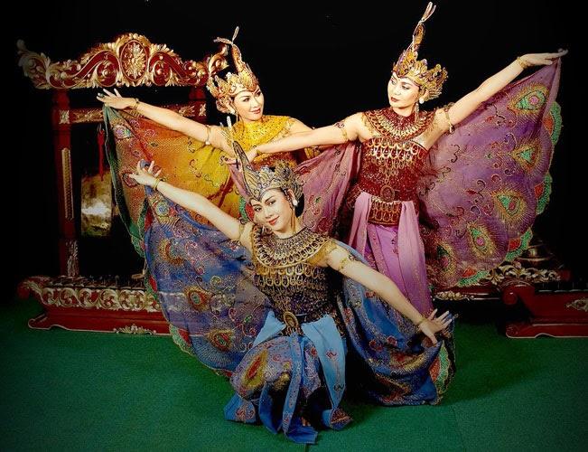 Tari Merak dari Jawa Barat
