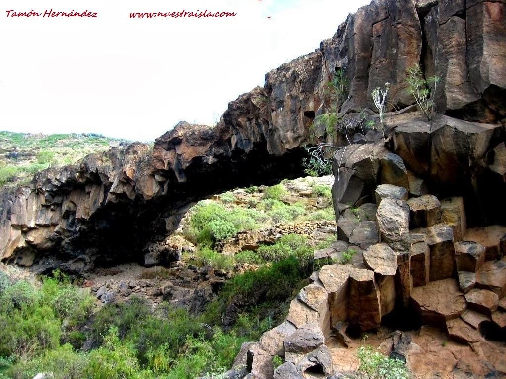 Nuestra isla tenerife el arco de roca del jurado en el for Las rocas tenerife