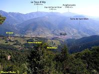 Panoràmica del Quer, Matallops i Bagà en primer terme, i al seu darrere la Tosa d'Alp, el Puigllançada i la Serra de Sant Marc des de la Carena de la Baga. Autor: Ricard Badia