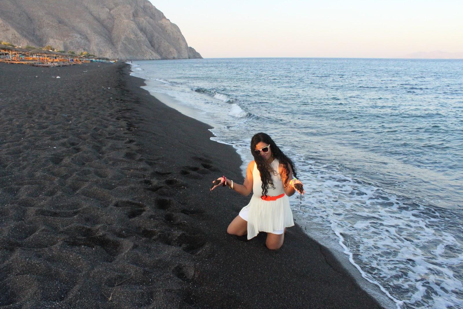 The Black Beach Of Perissa Santorini Docdivatraveller